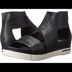 "Eileen Fisher black leather ""sports sandal"""